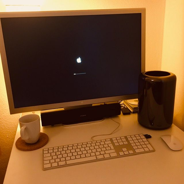 "Apple Cinema Display 30"", MacPro6,1"